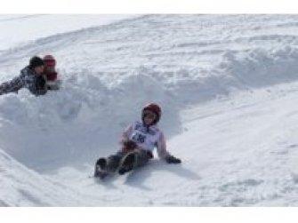 Schneeteller-Rennen
