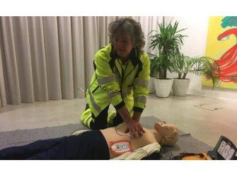 CPR (erste Hilfe / Herz-Lungen-Wiederbelebung) (BLyb Sportlich 2018)