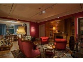 AU REVOIR À «CHLY PARIS» - Bally zu Gast in der Villa Isler