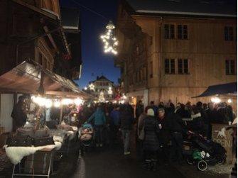 Weihnachtsmarkt in Saanen